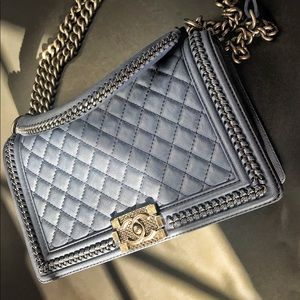 Authentic CHANEL 💯 boy bag. FIRM PRICE